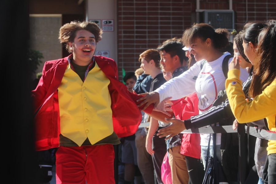 ASB hosts Halloween parade