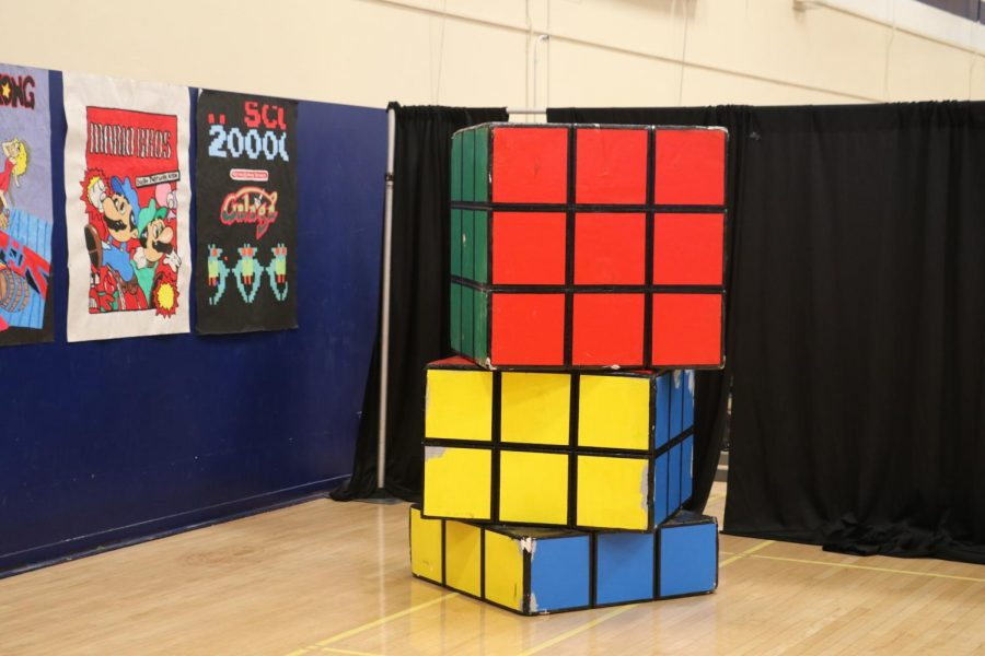 Rubik%27s+Cube+decorations+were+placed+near+the+movie+posters+and+a+photo+backdrop+for+people+to+take+pictures.+Photo+by+Arashk+Alivandi.