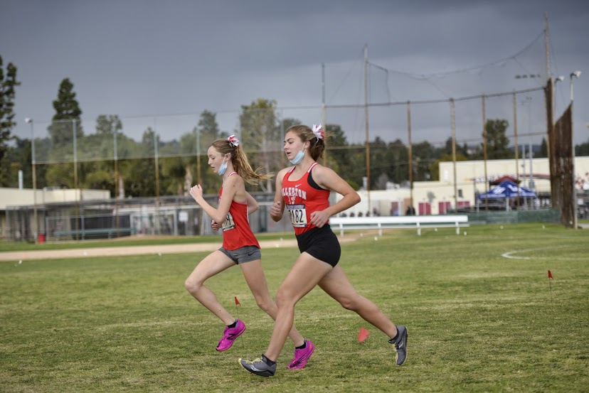 Morgan McAndrew (left) and Alexandra Williams (right) finished fourth and sixth in league respectively. Photo courtesy of Angelica Garcia.